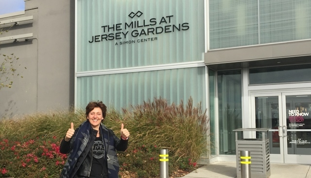 Newyorkcitytrippers_at_Jersey_Gardens_outlet_mall