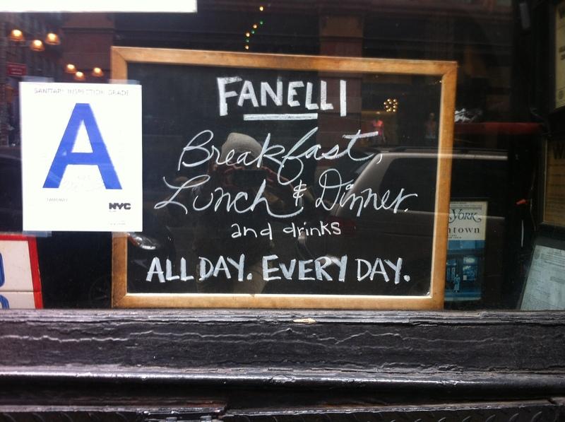 Sign in Fanelli's Soho en Nolita