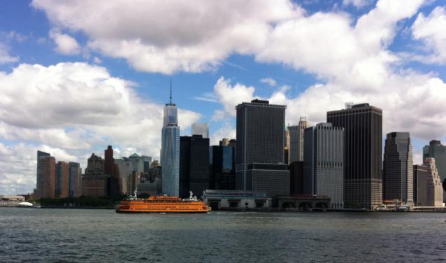 Staten_Island_Ferry_Freedom_Tower_Fotor