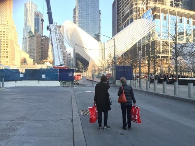 Combineer designer deals shoppen met een bezoek aan het 9/11 memorial en de Oculus