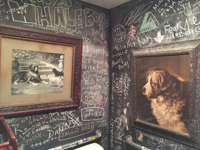 The_Grey_Dog_bathroom