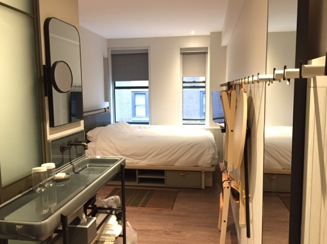 Moxy_Hotel_NYC Times_Square_room 2