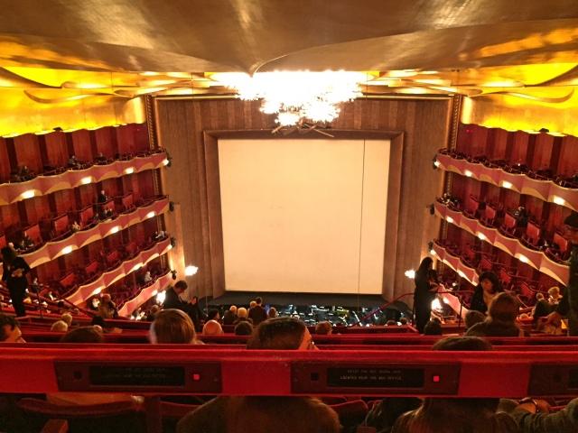 Zicht vanaf de Family Circle in Metropolitan Opera