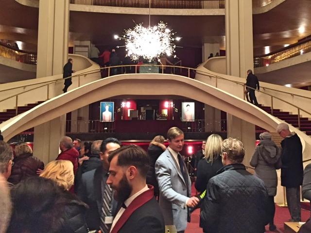 Wachten voor Madame Butterfly in de Metropolitan Opera